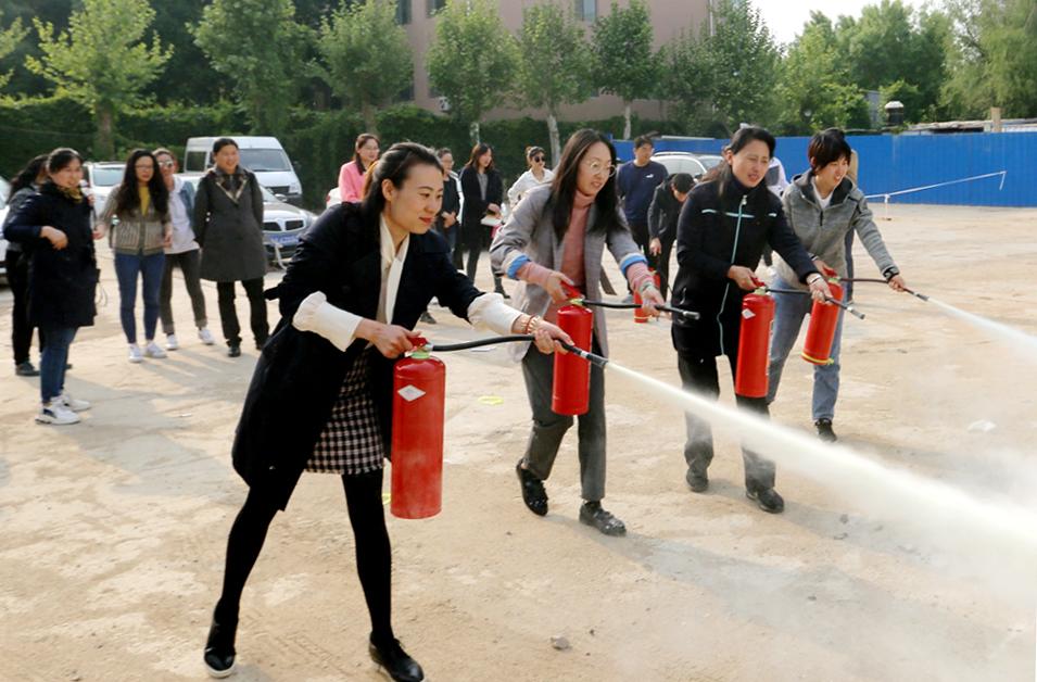 集团工会组织消防知识培训和逃生安全演练活动